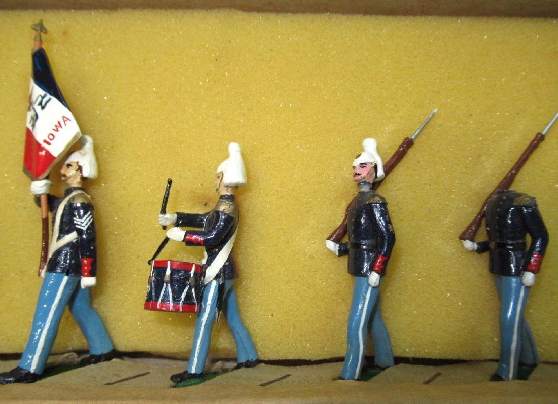 7 Lead Soldiers Iowa National Guard, Orig. Box - 3