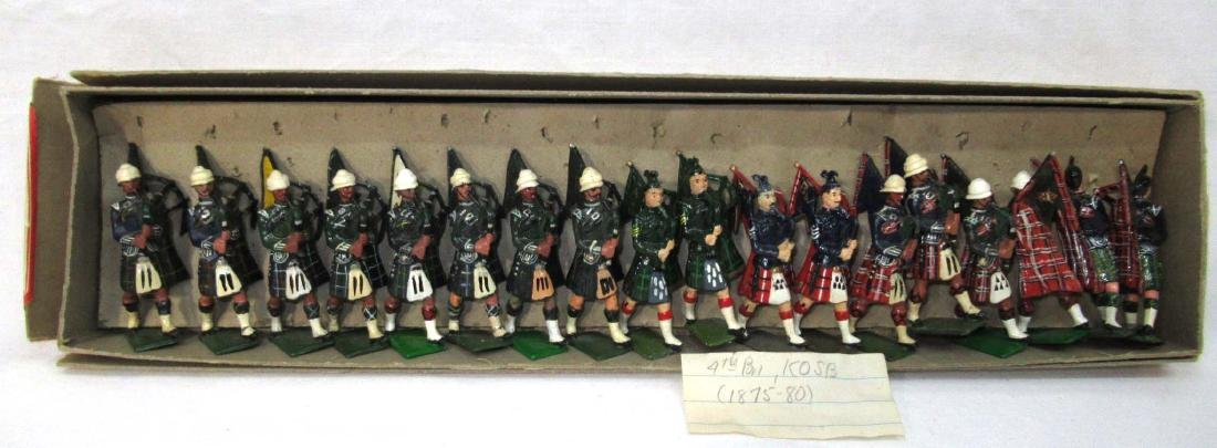 18 Lead Soldiers Scottish Bagpipers