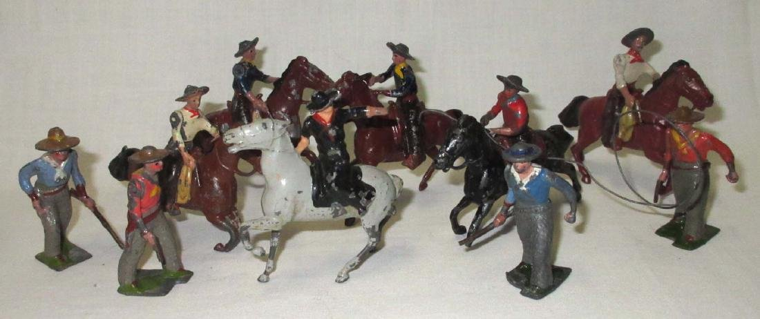 Lot of 10 Cowboy Lead Soldiers