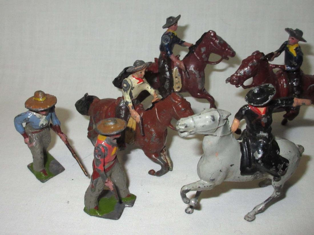 Lot of 10 Cowboy Lead Soldiers - 2