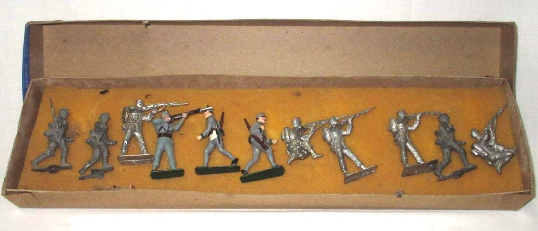 Lot of 11 Lead Soldiers