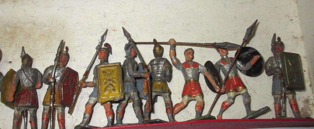 Lot of 13 Lead Soldiers - 3