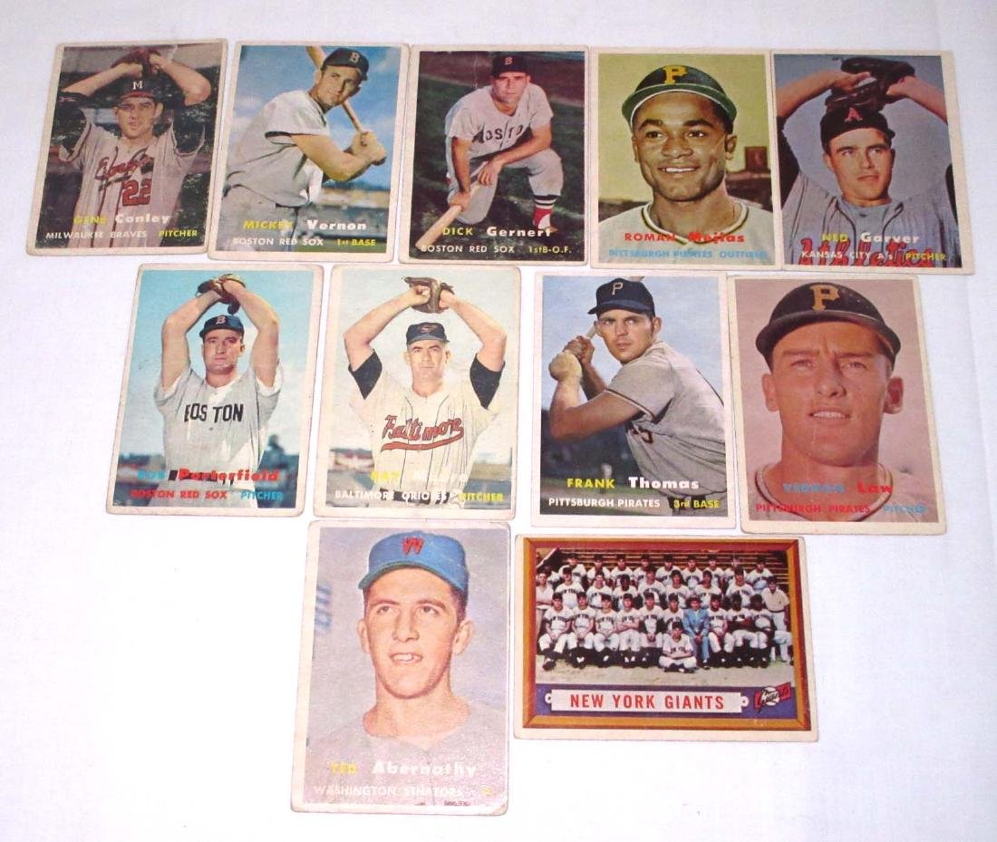 (11) 1957 Topps Baseball Cards