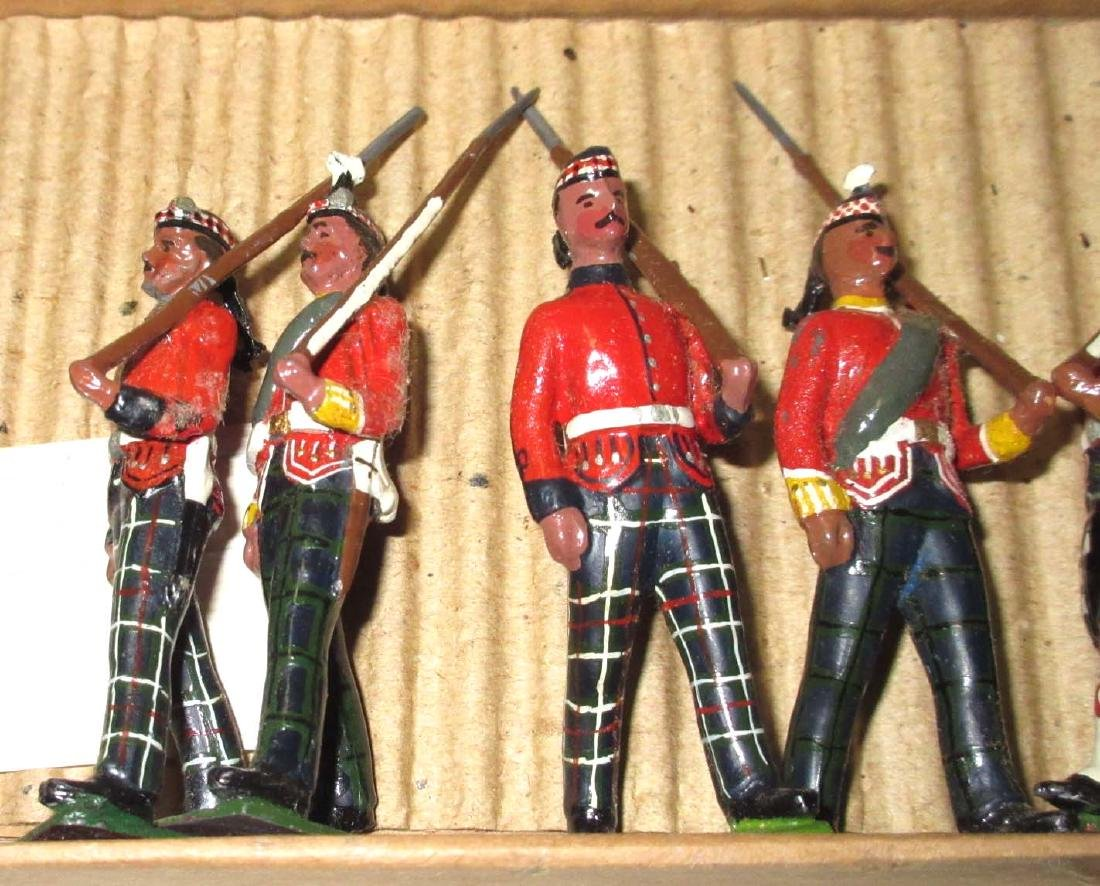 Lot of 20 Lead Soldiers - 3