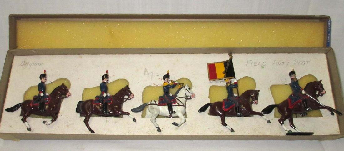 Lot of 5 Lead Soldiers Cavalrymen