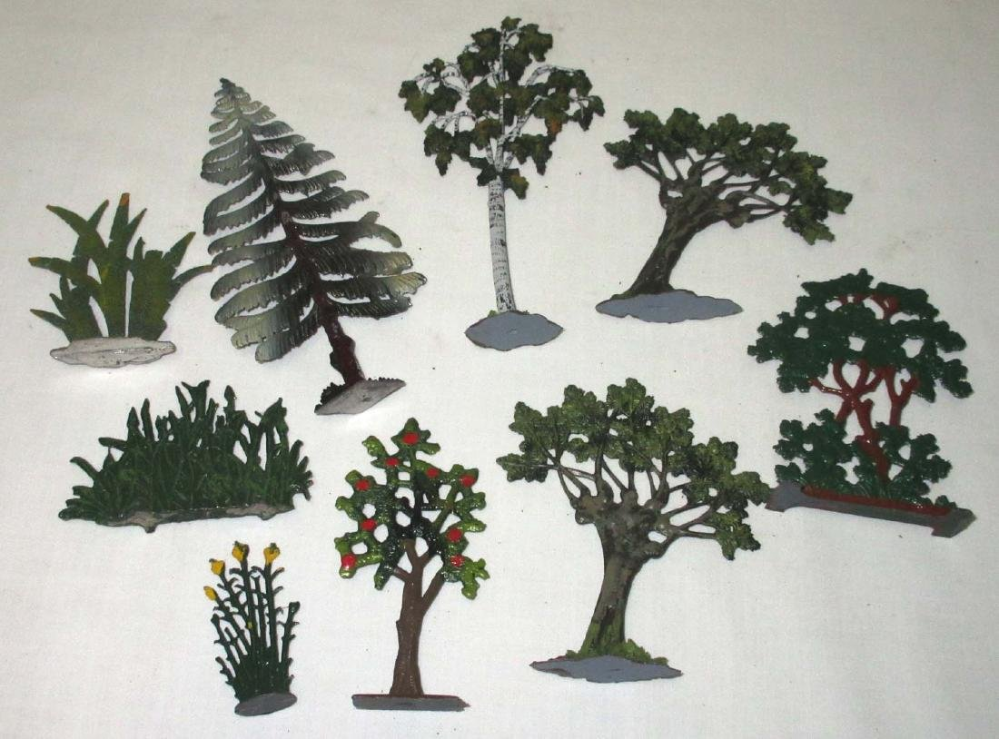 Lot of 9 Lead Trees & Foliage