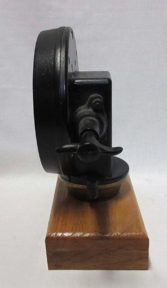 Neptune Gas Gauge Clock - 3