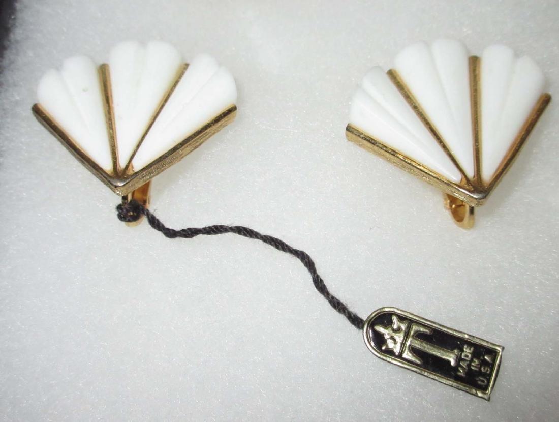 "1950's ""Trifari"" Original Tag Earrings + Necklace - 3"