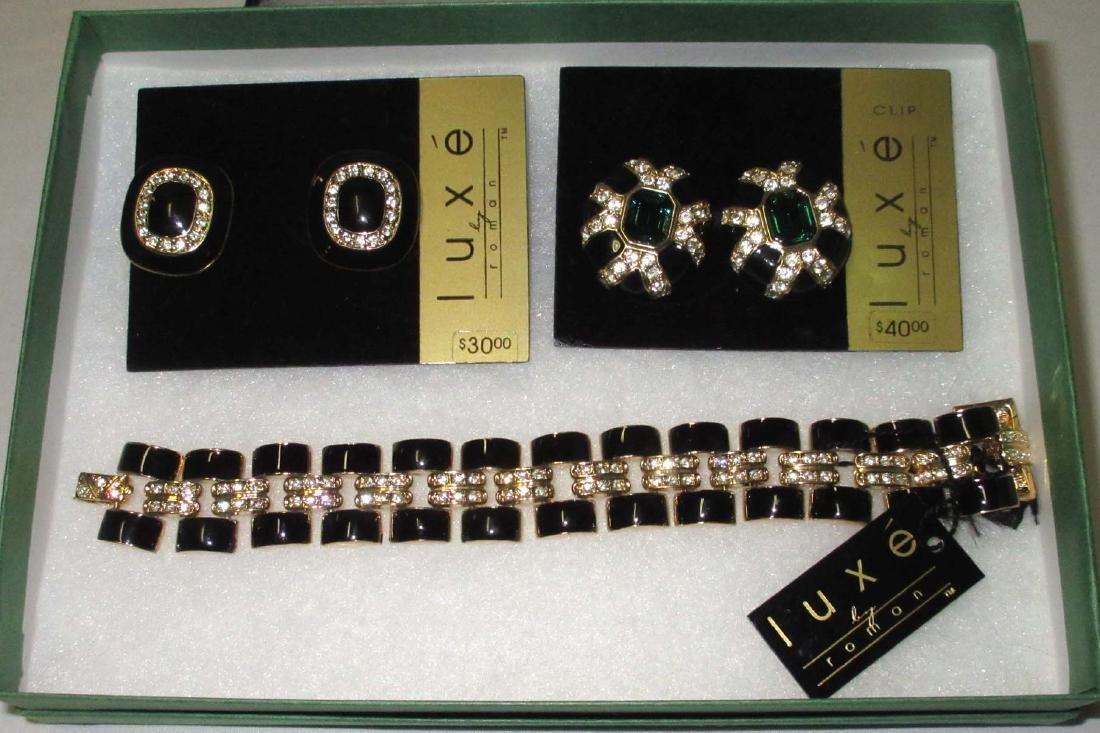 """""""LUXE"""" Bracelet & 2 Earrings. N.O.S."""