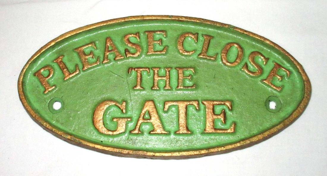 "Modern Cast Iron ""Please Close Gate"" Plaque"