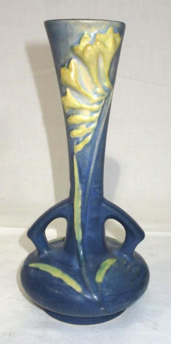 Roseville Freesia Bud Vase 195-7