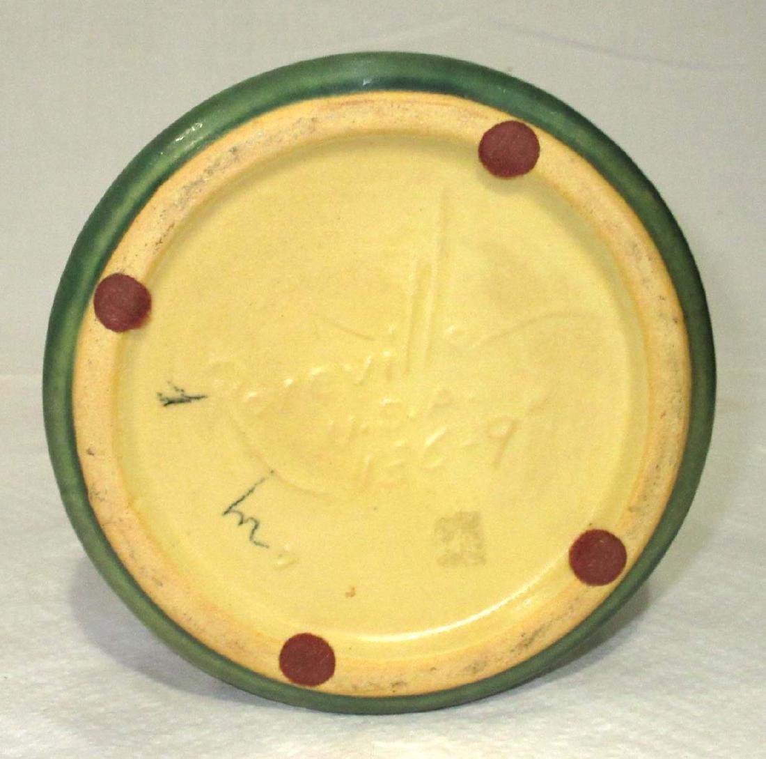 Roseville Pottery Vase 136-9 - 3