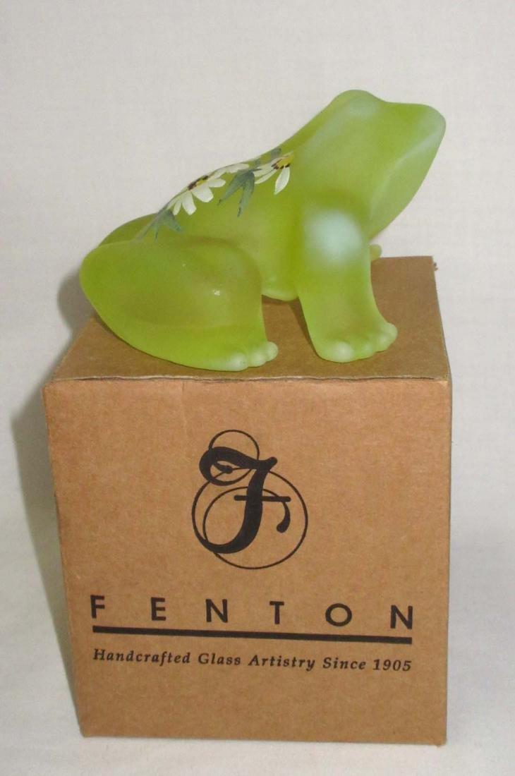 Fenton Frog Paperweight, Orig. Box