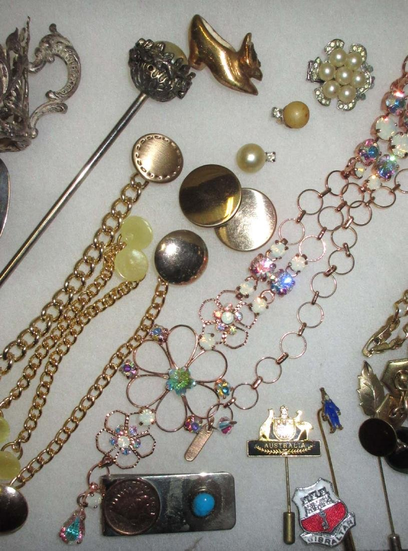Lot Costume Jewelry Pins, Buttons, Money Clips etc.. - 3