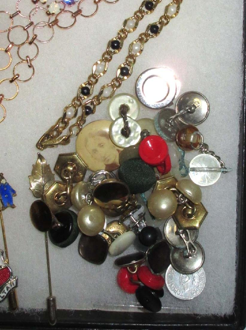 Lot Costume Jewelry Pins, Buttons, Money Clips etc.. - 4