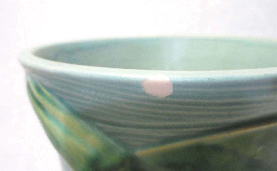 Roseville Pottery Vase 82-14 - 3