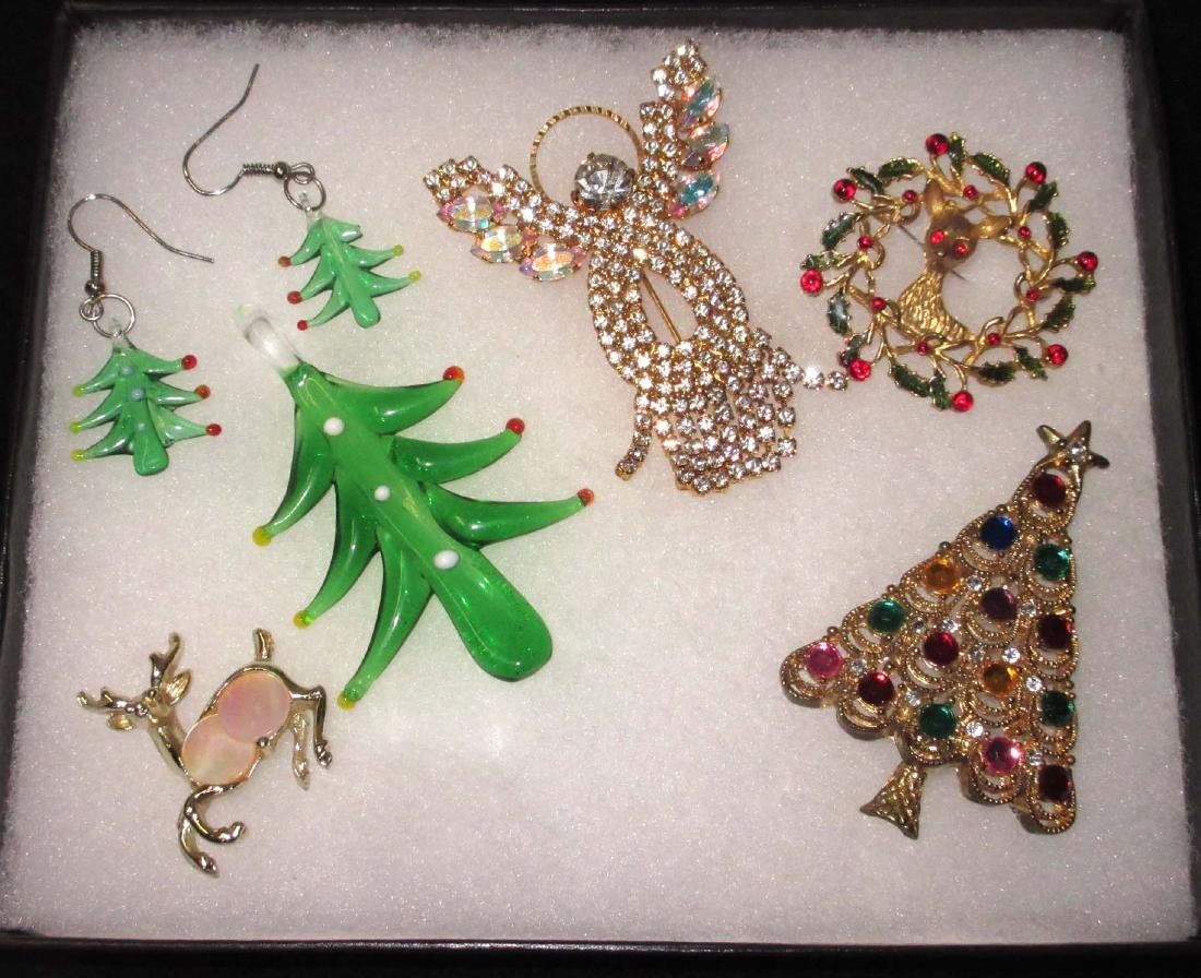 6 Piece Christmas Jewelry