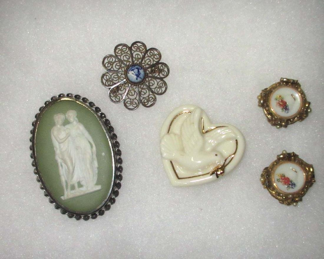 4 pieces Porcelain & Wedgwood & Lenox Jewelry