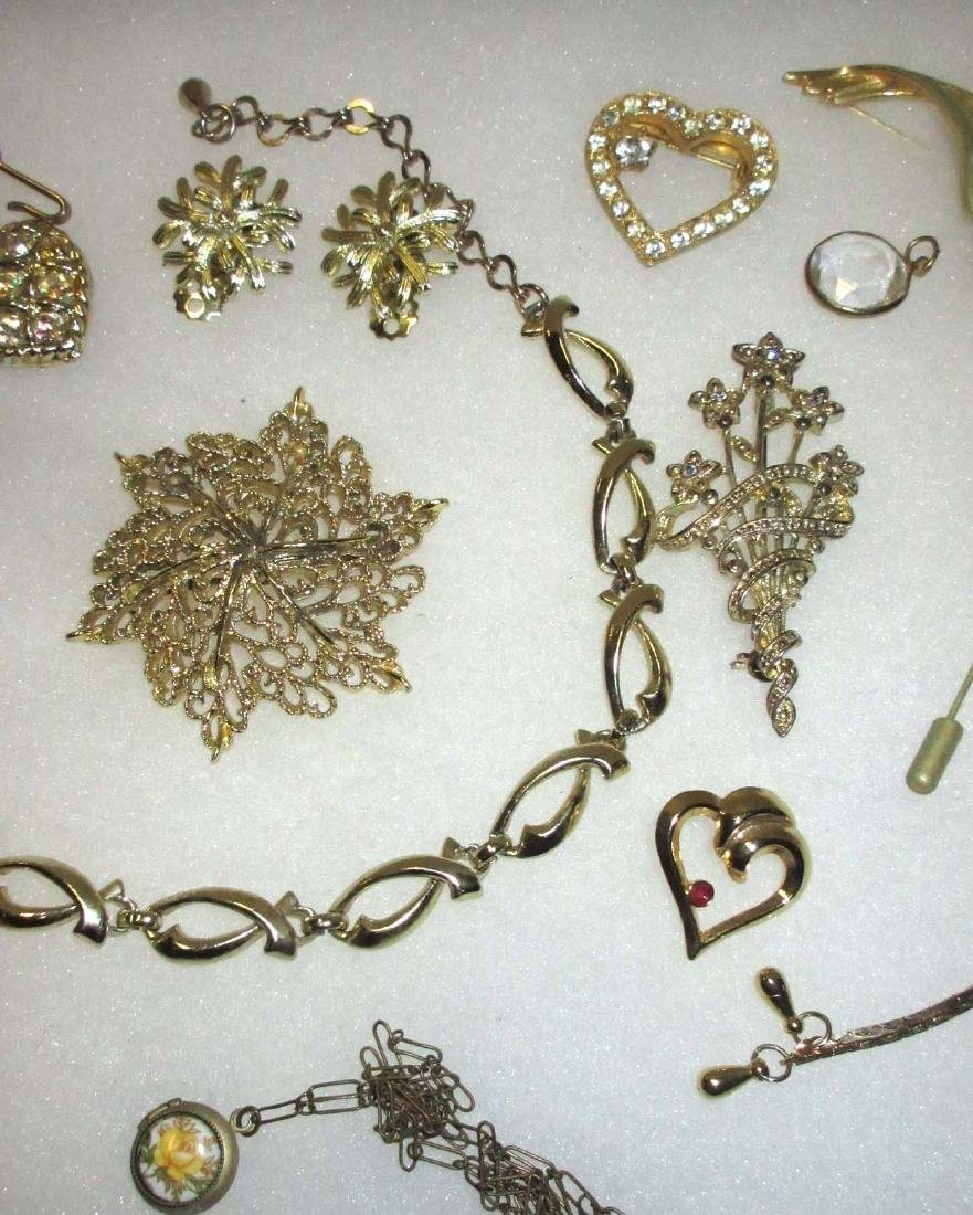 Collection of misc Goldtone jewelry - 3