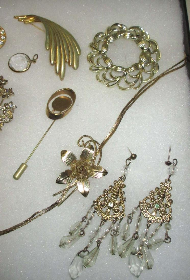 Collection of misc Goldtone jewelry - 4