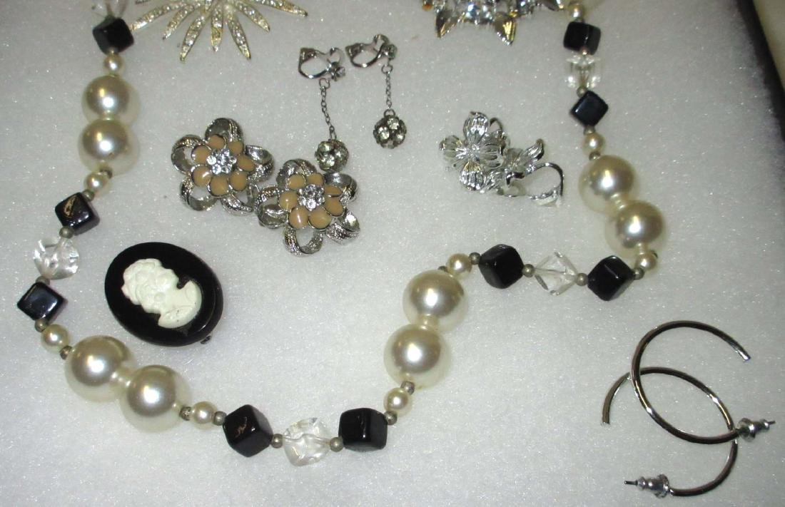 Pearl, Black & Amber Misc Jewelry - 4