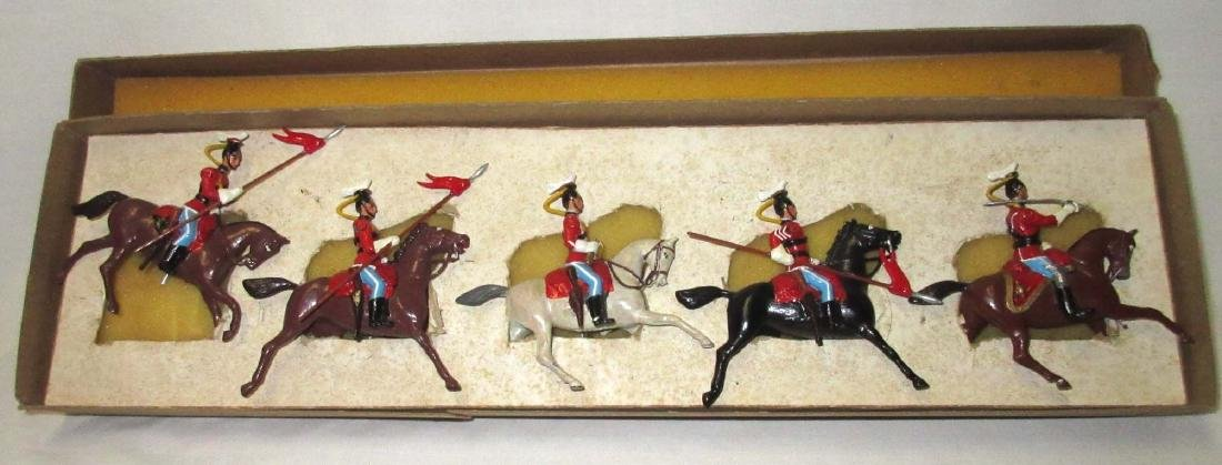 5 Lead Soldiers Cavalry