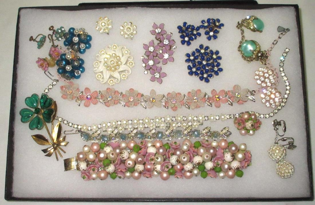 16 pc Vtg Flower Jewelry