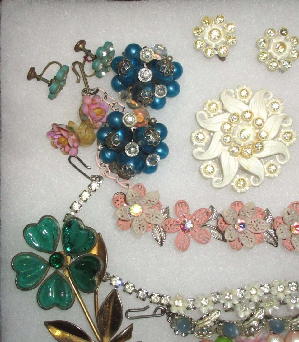 16 pc Vtg Flower Jewelry - 2