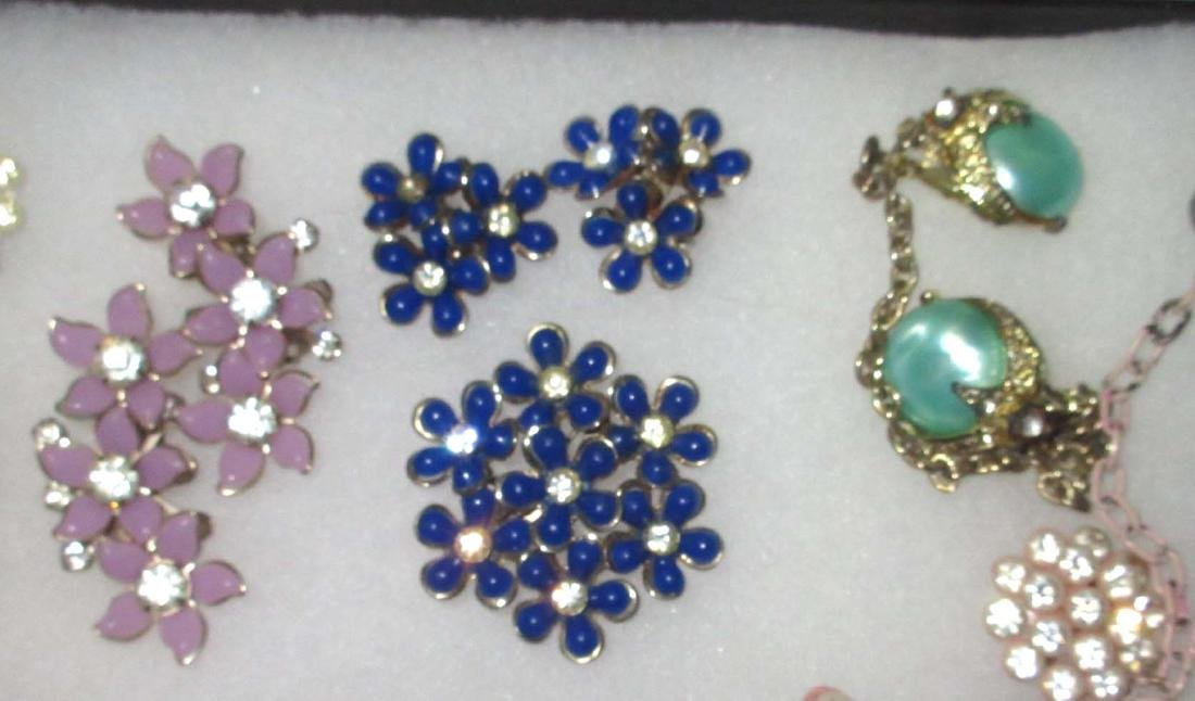 16 pc Vtg Flower Jewelry - 3