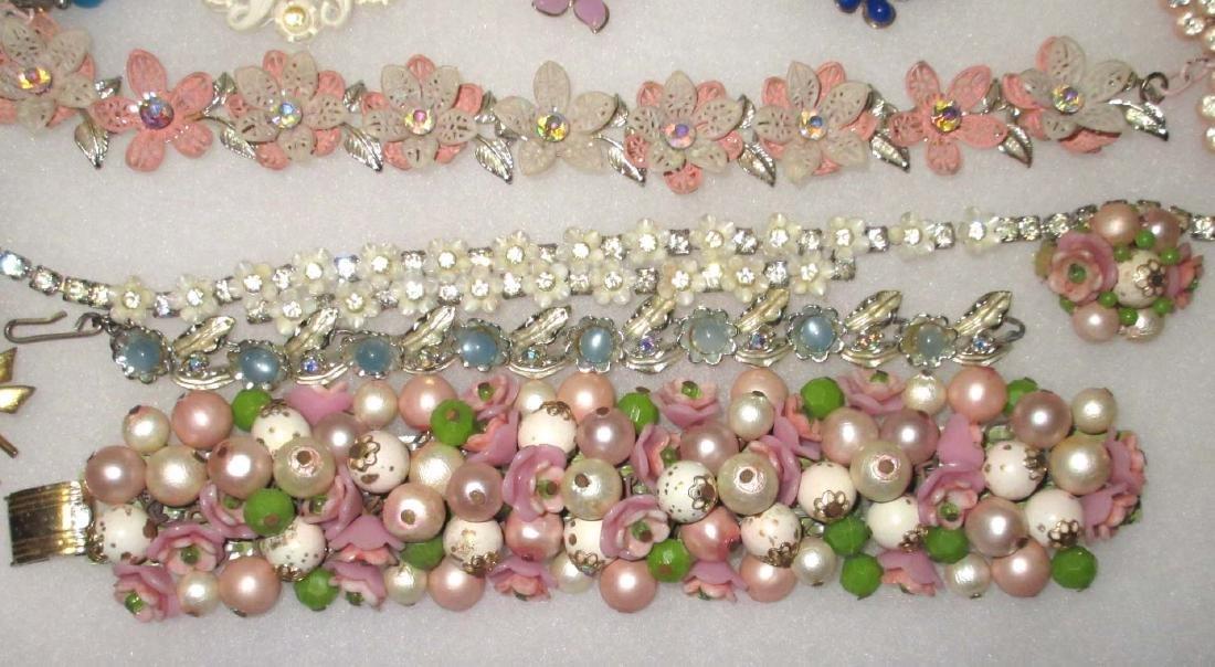 16 pc Vtg Flower Jewelry - 4