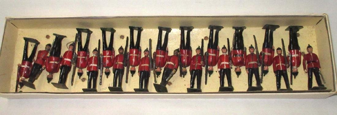 Lot of 22 Lead Soldiers