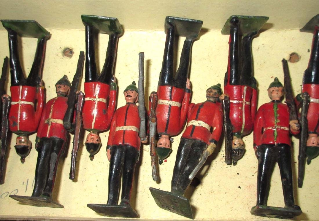 Lot of 22 Lead Soldiers - 3