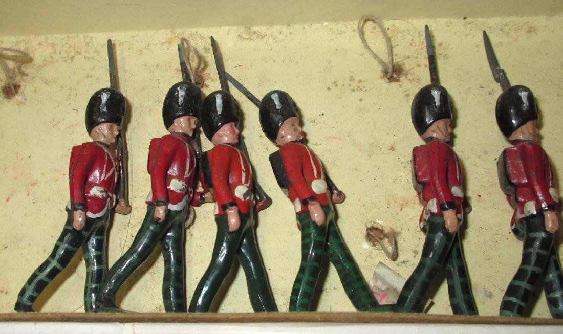 Lot of 13 Scottish Lead Soldiers - 2