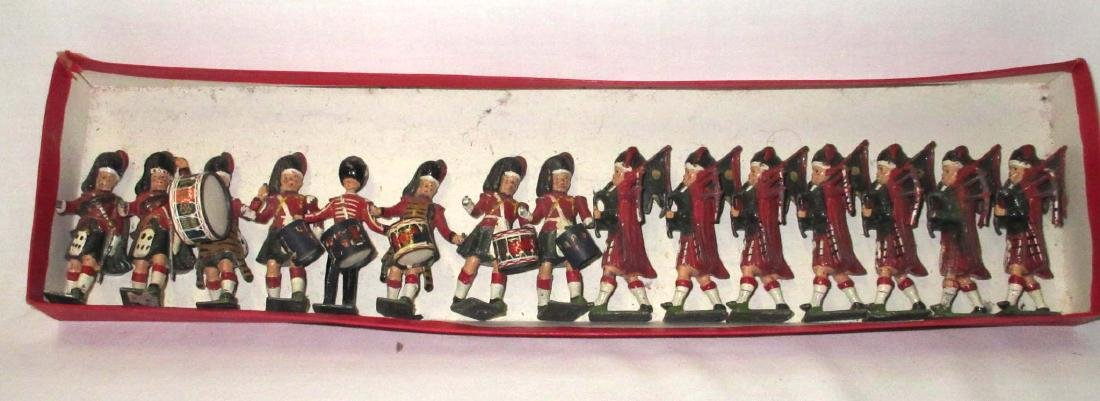Lot of 15 Scottish Lead Soldiers