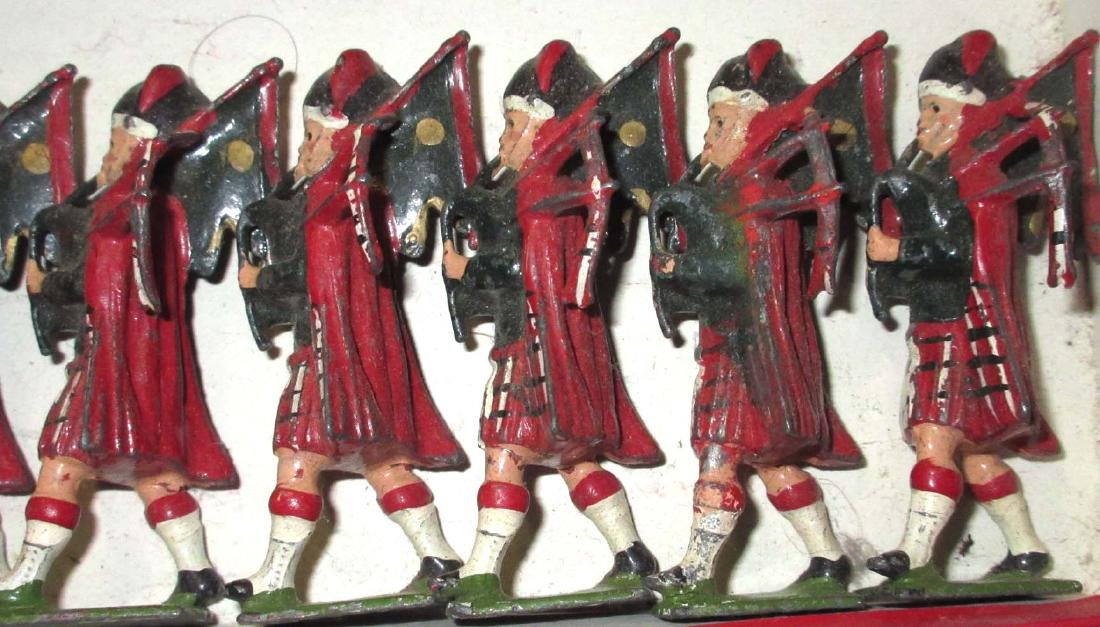 Lot of 15 Scottish Lead Soldiers - 4