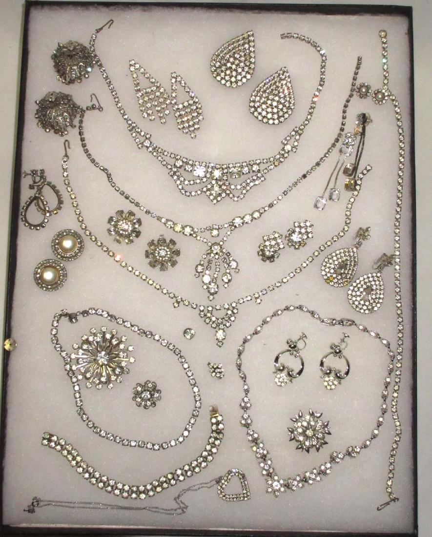 25 pieces Vintage Rhinestone Jewelry