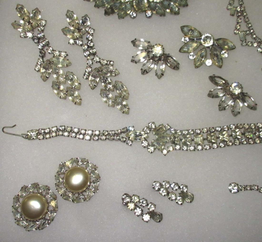 18 piece Fabulous Quality Rhinestone Jewelry - 3