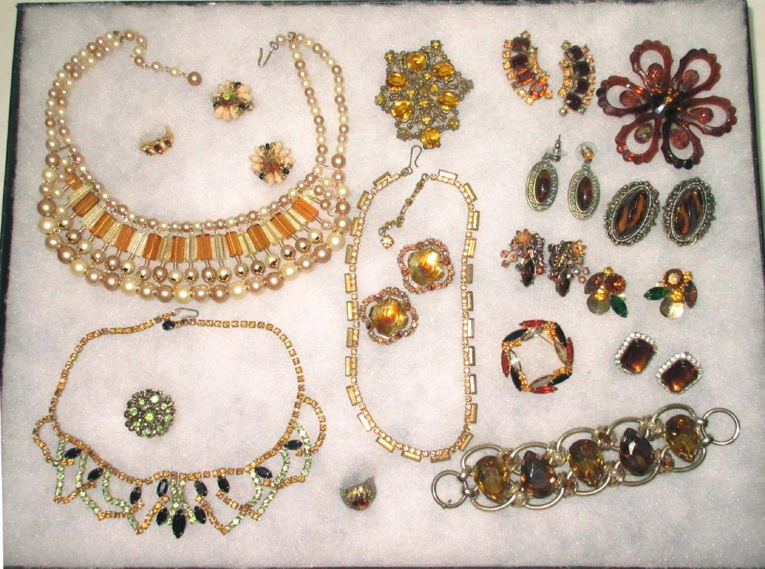 18 piece Wonderful Topaz & Amber Rhinestone Jewelry