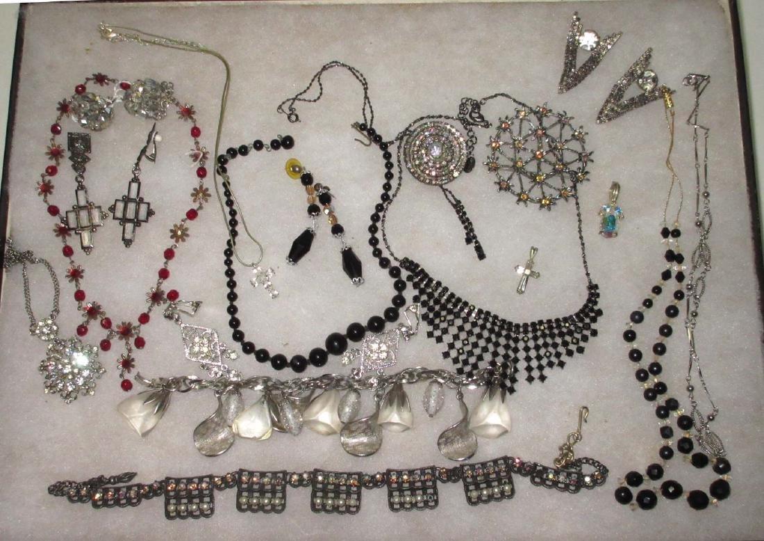 18 piece Vtg Silvertone Rhinestone Jewelry