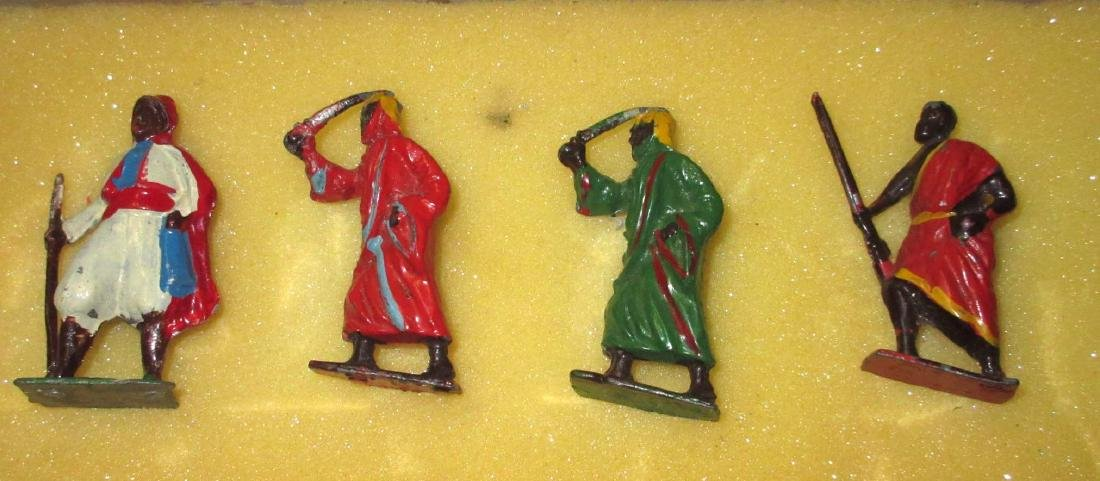 Lot of 7 Lead Soldiers - 2