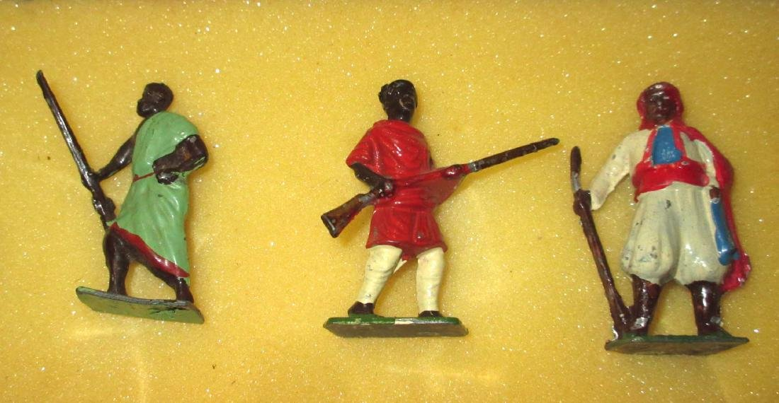 Lot of 7 Lead Soldiers - 3