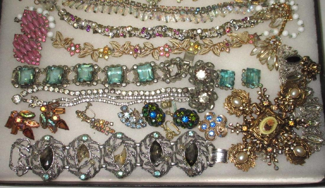 Lg Lot of Jewelry for Harvest or Repair - 4