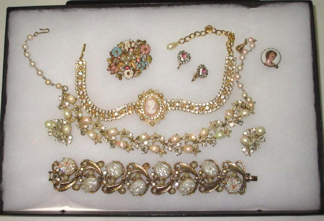 """6 piece Lovely """"STAR"""", Vict., Faux Pearl, Cameo"""