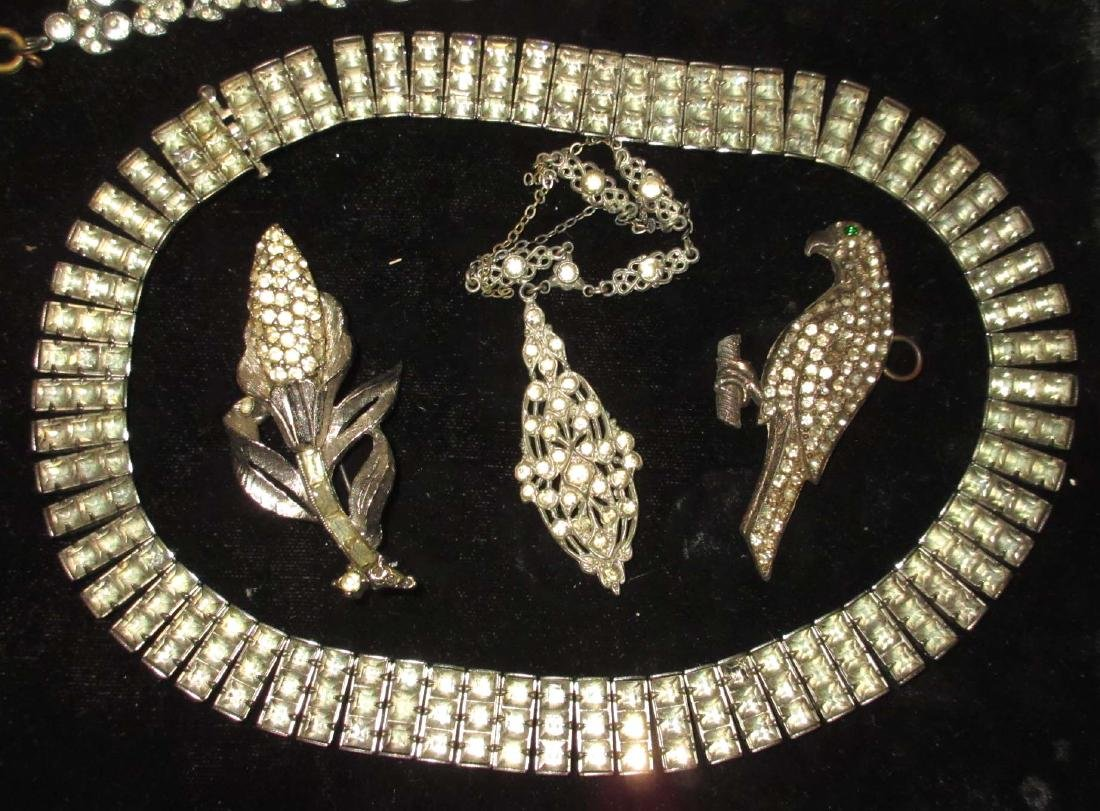16 piece Antique & Clear Rhinestone Jewelry - 4