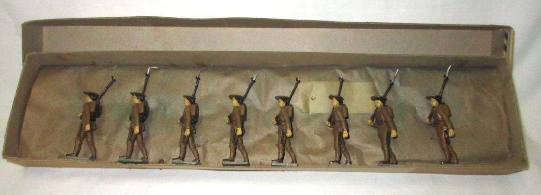 Lot of 8 Lead Soldiers