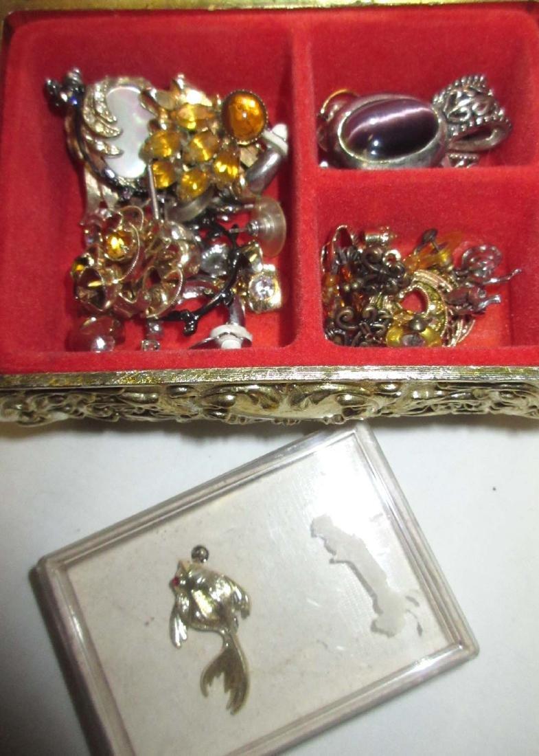 Box of Misc Vtg Dresser Items - 5