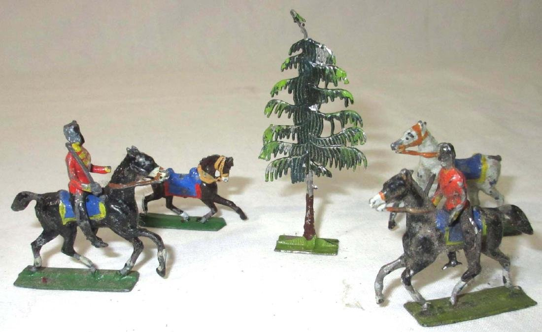 Large Lot Mini Lead Soldiers & Horses - 4