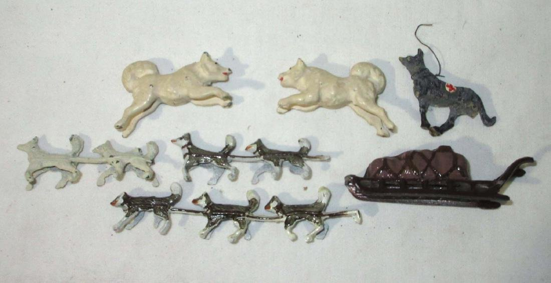 Lot of Lead Dogsled & Dogs