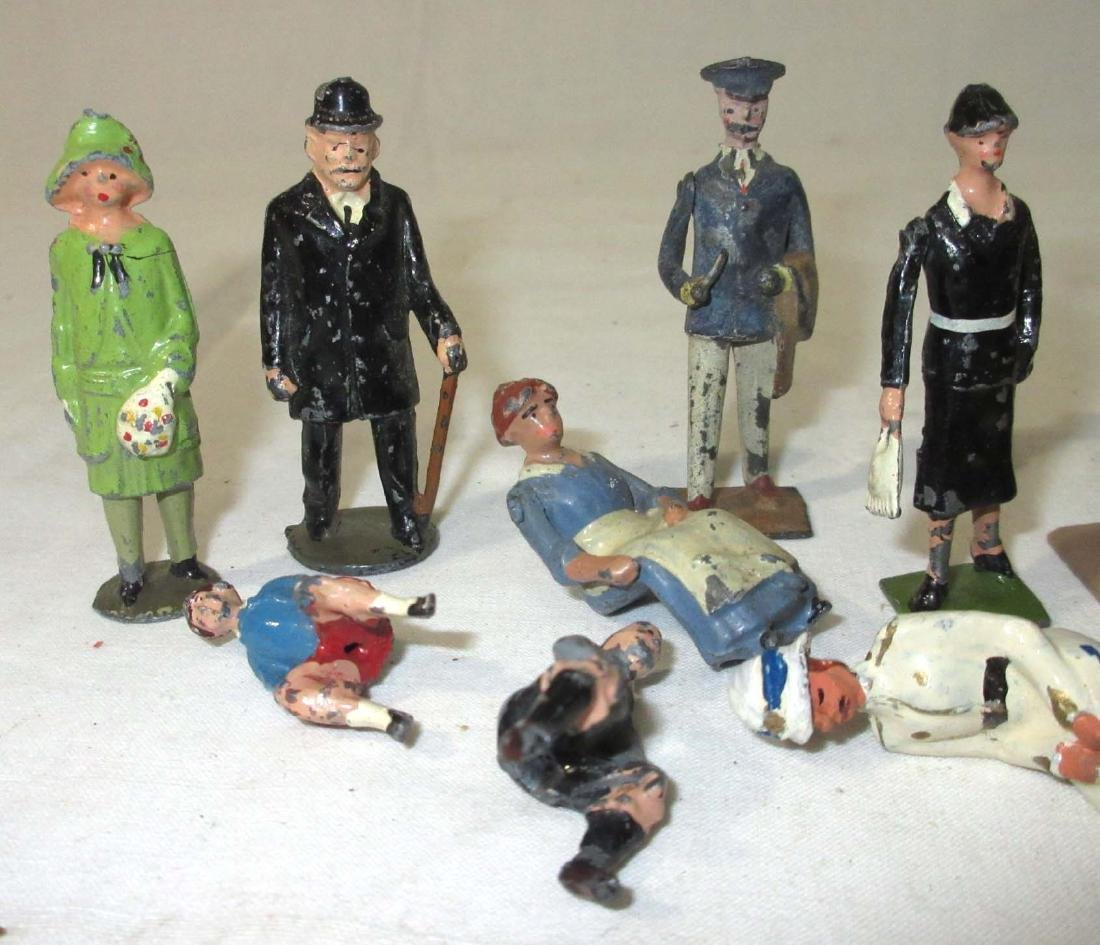 Lot of Lead Townspeople - 2