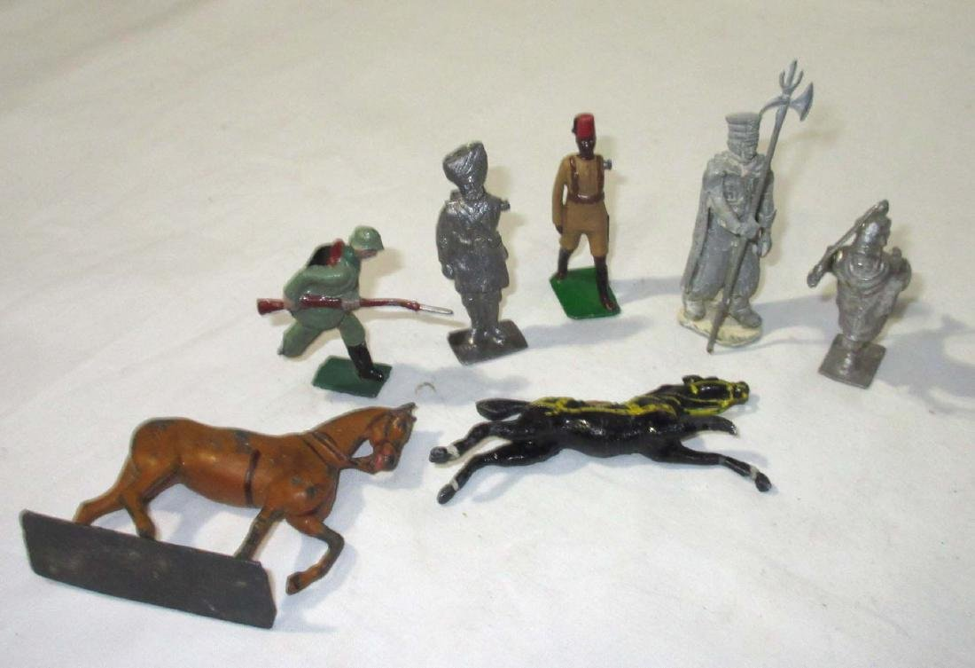 Large Lot of Lead Soldiers & Horses - 3